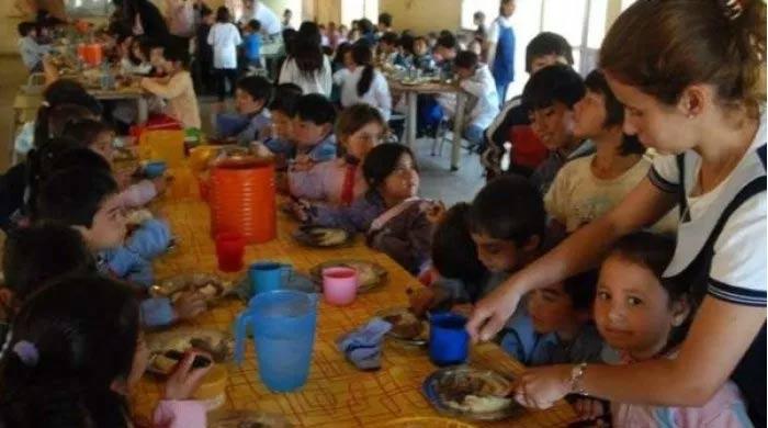 Datos que duelen: uno de cada tres niños se alimenta en comedores ...